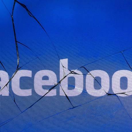 Escândalo recente de divulgação de dados coincide com momento de usuários deletando aplicativo do Facebook Foto: JOEL SAGET / AFP