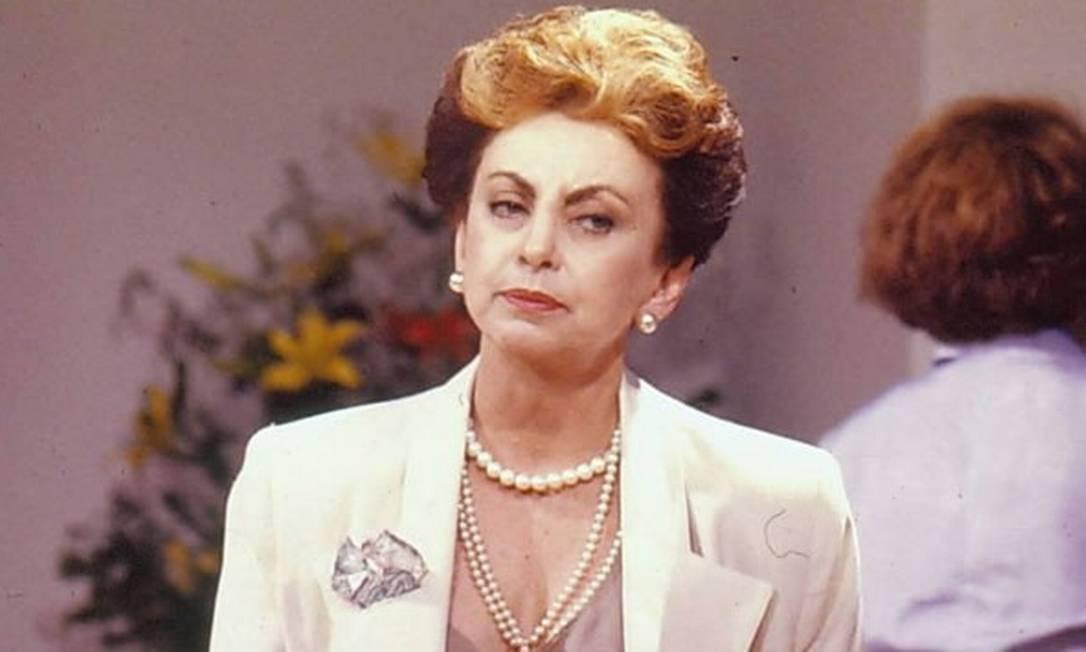 Beatriz encarnando seu papel mais famoso, a vilã Odete Roitman TV Globo
