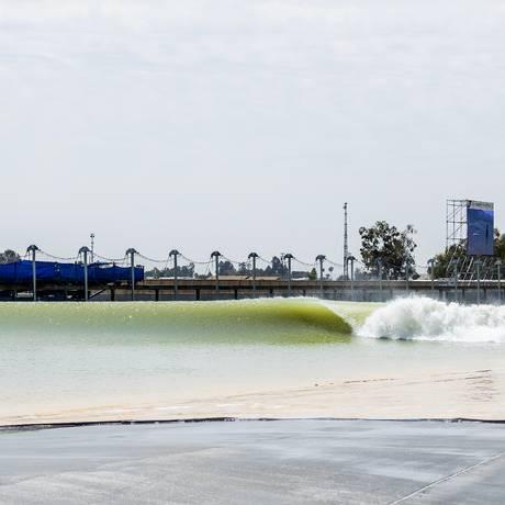 Uma onda corre vazia no Surf Ranch, piscina de ondas de Kelly Slater Foto: Kelly Cestari / Divulgação WSL