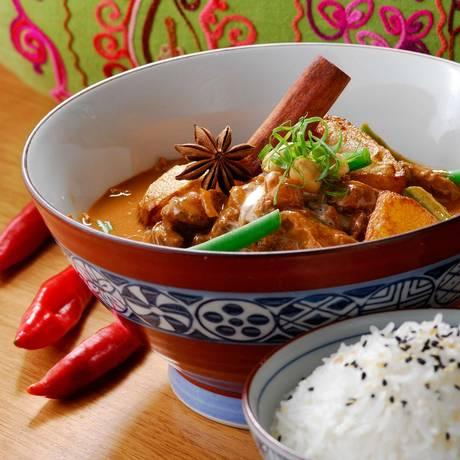 Curry de carne: especiarias quentes Foto: Thiago Sodré / Divulgação