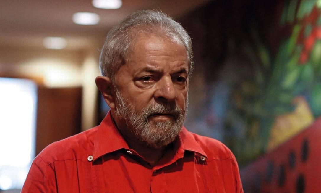 O ex-presidente Lula cumpre pena de 12 anos de prisão na Lava-Jato Foto: Edilson Dantas / Agência O Globo (24/03/2017)