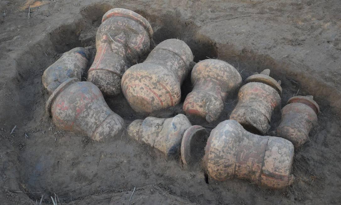 Urnas funerárias foram encontradas no sítio arqueológico de Tauary Foto: Divulgação/Instituto Mamirauá