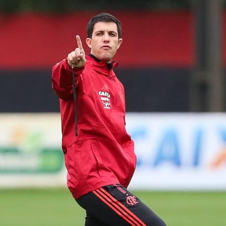 Barbieri indica que continuará rodízio no ataque rubro-negro Foto: Gilvan de Souza/Flamengo