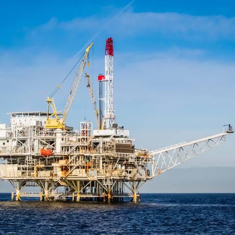 Estimativas da ANP apontam que a expansão da demanda mundial por petróleo atingirá o pico no fim dos anos 2030 Foto: Banco de Imagens