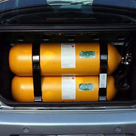 Carro a gás no meio de uma polêmica causada por decisão de Pezão Foto: Marizilda Cruppe / Agência O Globo