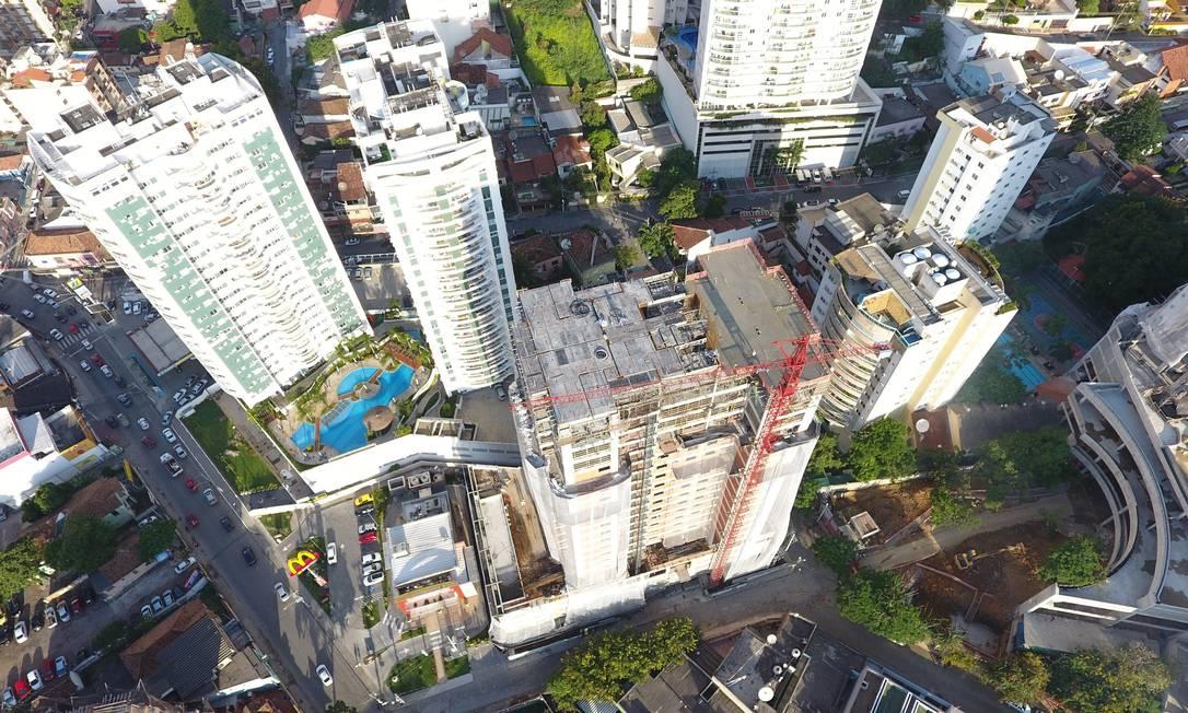 Alcance. Com o drone, a empresa consegue ter uma visão aérea e abrangente das etapas da obra, além de maior precisão nos detalhes Foto: Divulgação