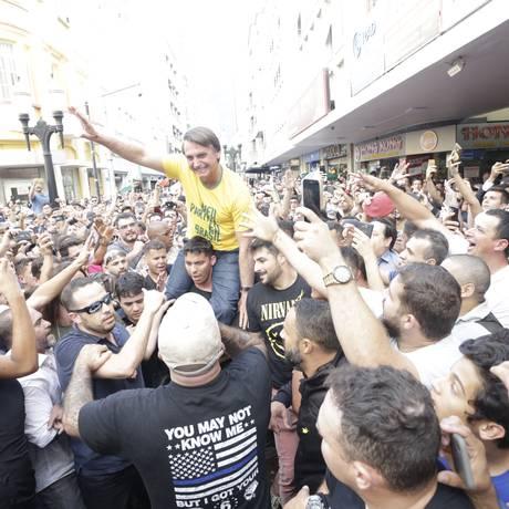 O candidato à presidência da República, Jair Bolsonaro, faz campanha em Juiz de Fora. Foto: Antonio Scorza / Antonio Scorza