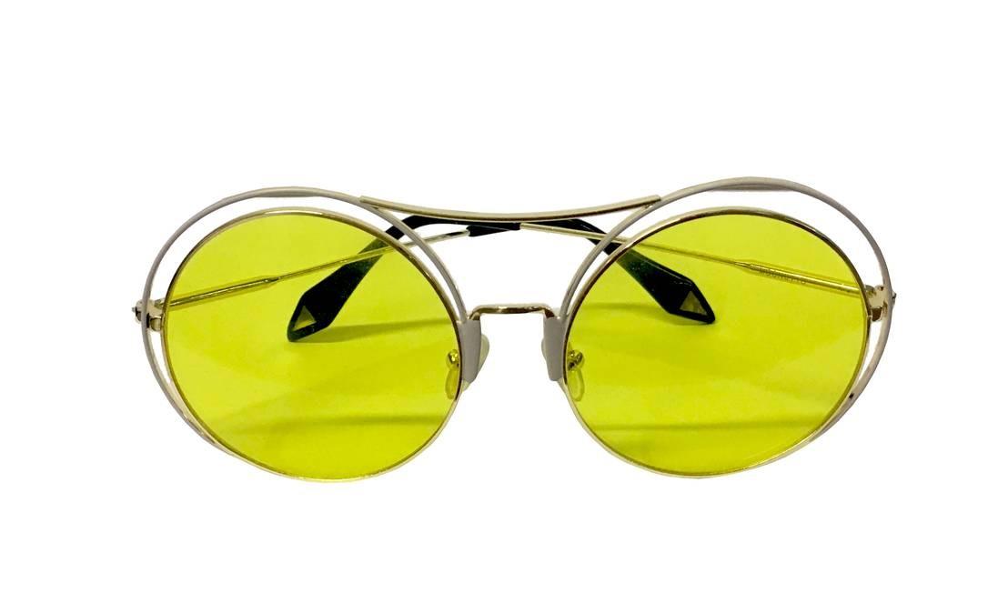 Óculos da Moon à venda na Obra_Ipanema (99815-8484<bold>), R$ 279 Divulgação