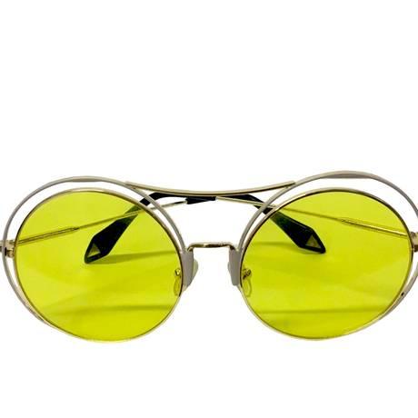 Óculos da Moon à venda na Obra_Ipanema (99815-8484), R$ 279 Foto: Divulgação