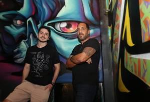 Produção. Zanon (à esquerda) e Abreu são os administradores da Babel 08 Foto: Márcio Alves / Márcio Alves