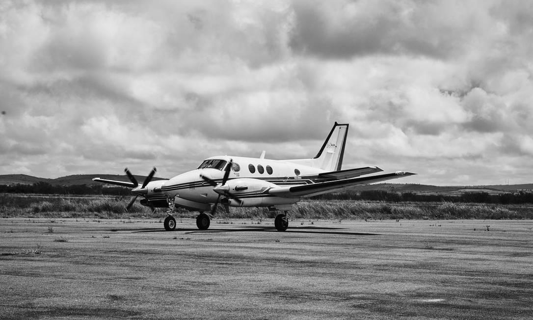 Avião com o candidato Fernando Haddad posa em Garanhuns, em 1º de setembro Foto: Marcelo Saraiva / Época