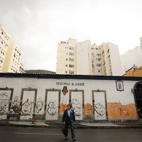 Comerciantes do Mercado São José recebem uma ordem de despejo Foto: Pablo Jacob / Agência O Globo