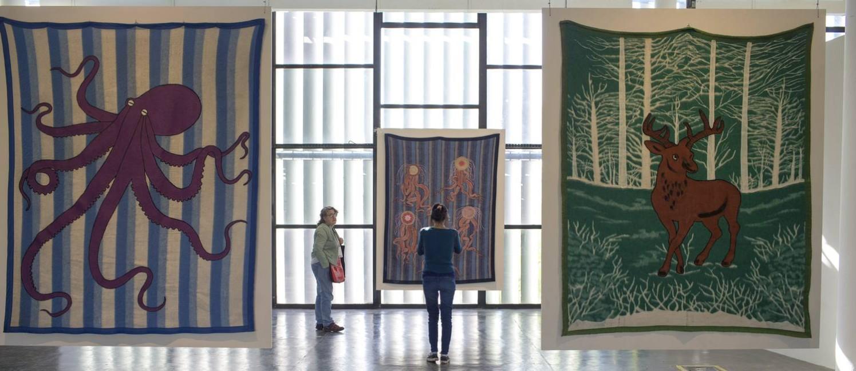 Obras do paraguaio-argentino Feliciano Centurión, no terceiro andra do Pavilhão da Bienal Foto: Edilson Dantas /Agência O Globo