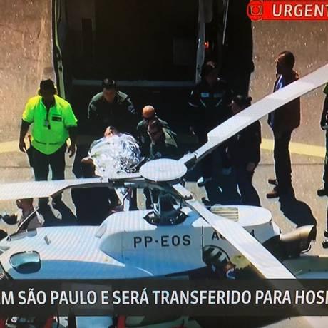 Jair Bolsonaro é levado para hospital de SP Foto: Reprodução/GloboNews