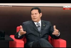 Candidato a vice de Bolsonaro, general Mourão é entrevistado na Globonews Foto: Reprodução
