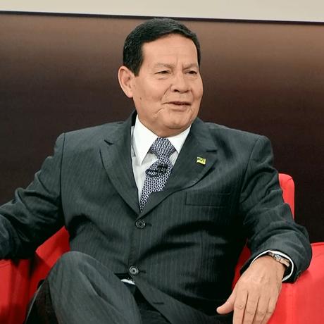 Hamilton Mourão, vice de Jair Bolsonaro, é sabatina na GloboNews Foto: Reprodução/GloboNews