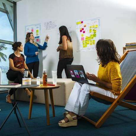 Diversidade de gênero. Reunião do time de pesquisa e inovação da L'Oreal Brasil: igualdade de oportunidades e promoção baseada em habilidades e mérito Foto: Benoit DECOUT / Divulgação