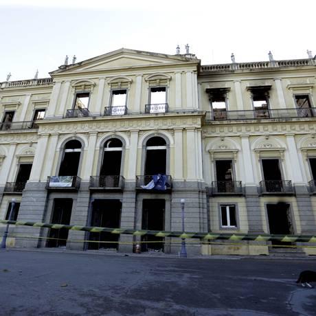 Museu foi destruído em incêndio Foto: Marcelo Theobald / Agência O Globo
