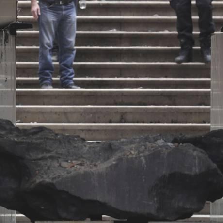 Sobrevivente. O Bendegó viajou bilhões de anos pelo espaço até cair no sertão da Bahia, onde foi achado em 1784 Foto: Marcio Alves / Marcio Alves