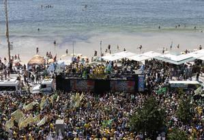 Passeata em apoio a Bolsonaro, na praia de Copacabana Foto: Pablo Jacob / Pablo Jacob