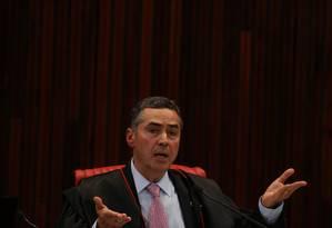 O ministro Luís Roberto Barroso, do Tribunal Superior Eleitoral (TSE) Foto: Ailton Freitas / Agência O Globo