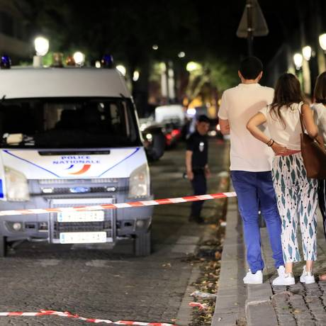 Polícia isola área em que ao menos sete pessoas foram feridas em ataque com faca Foto: GONZALO FUENTES / REUTERS