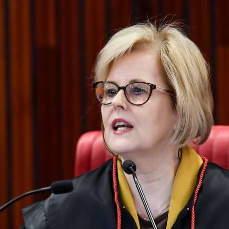 A ministra Rosa Weber, presidente do TSE, convidou representantes das campanhas para discutir fake news Foto: EVARISTO SA / AFP