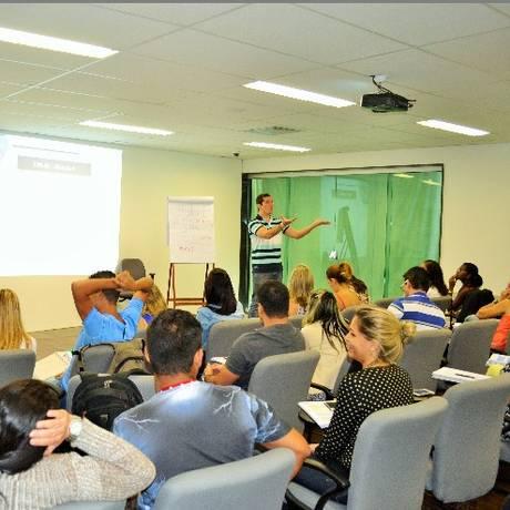 Alunos assistem a aula no curso da Certificação Brasil Foto: Divulgação
