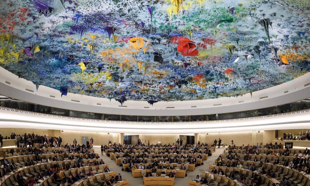"""Vista geral da abertura do 39º Conselho de Direitos Humanos da ONU em Genebra. Em seu primeiro discurso, a nova Comissária para os Direitos Humanos, Michelle Bachelet pediu a criação de um novo """"mecanismo"""" encarregado de preparar denúncias criminais sobre atrocidades cometidas em Mianmar, em meio a alegações de genocídio contra a minoria Rohingya Foto: FABRICE COFFRINI / AFP"""
