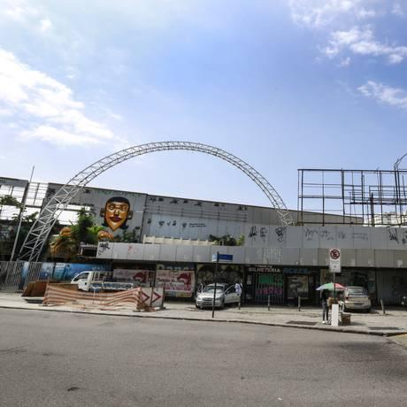 O prédio do Canecão, na Zona Sul, deverá ser transformado em Centro Cultural, segundo a reitoria da UFRJ Foto: Marcos Ramos / Agência O Globo