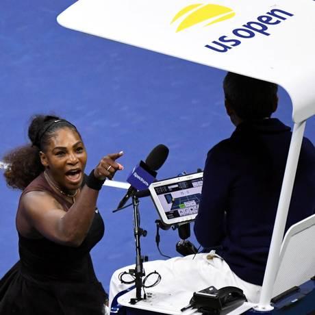Serena Williams discute com o árbitro português Carlos Ramos durante a final do US Open Foto: USA Today Sports / USA TODAY Sports