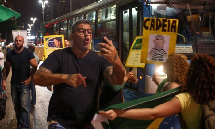 Alexandre Frota em Protesto a favor do impeachment da presidente Dilma em frente a FIESP 30/08/2016 Foto: Pedro Kirilos / Agência O Globo