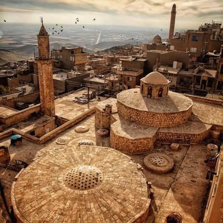 Vista sobre Mardin na fronteira com a Síria Foto: Divulgação