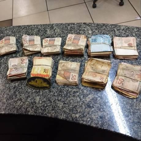 Dinheiro apreendido pela PM Foto: Reprodução/ Pmerj