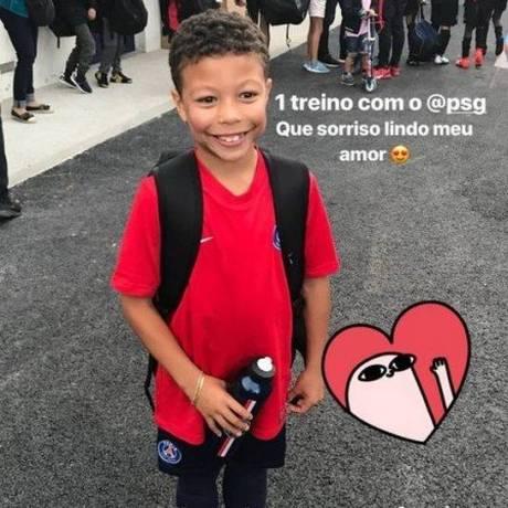 O pequeno Iago, de 7 anos, filho de Thiago Silva no treino do PSG Foto: Reprodução/Instagram