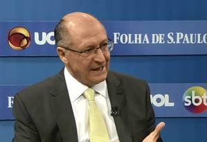 O candidato do PSDB foi entrevistado por Folha, UOL e SBT Foto: Reprodução