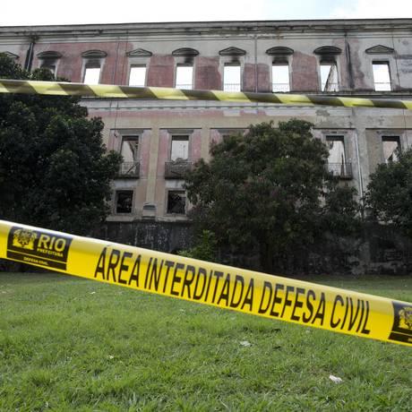 A área de isolamento nos fundos do Museu Nacional Foto: Márcia Foletto / Agência O Globo
