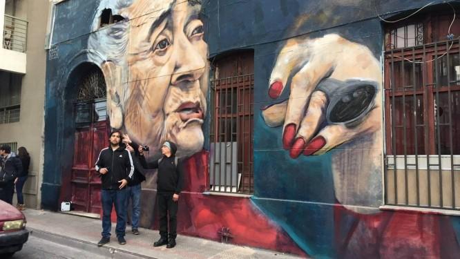 Mural inaugurado em agosto de Ana González, militante chilena de 93 que teve quatro parentes sequestrados pela ditadura de Pinochet Foto: Marianela Gonzáles