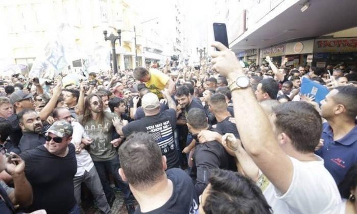 Candidato do PSL à Presidência, Jair Bolsonaro levou uma facada em Juiz de Fora (MG) Foto: Antonio Scorza / Agência O Globo