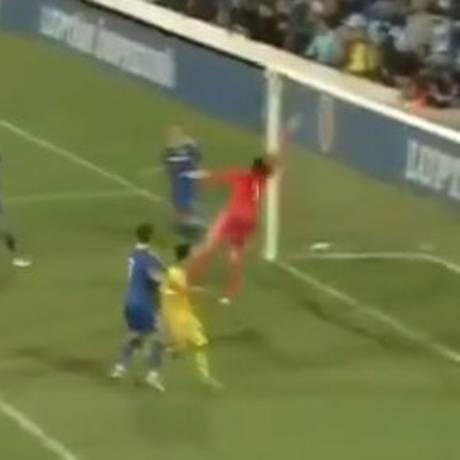 Ianis Hagi faz gol olímpico pela seleção sub-21 Foto: Reprodução