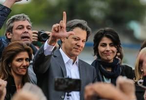 Fernando Haddad ao lado de Manuela D´Ávila, nova candidata a vice Foto: Geraldo Bubniak / Agência O Globo