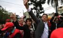 O presidenciável Fernando Haddad ao lado de sua vice, Manuela D'Avila Foto: Nelson Almeida / AFP
