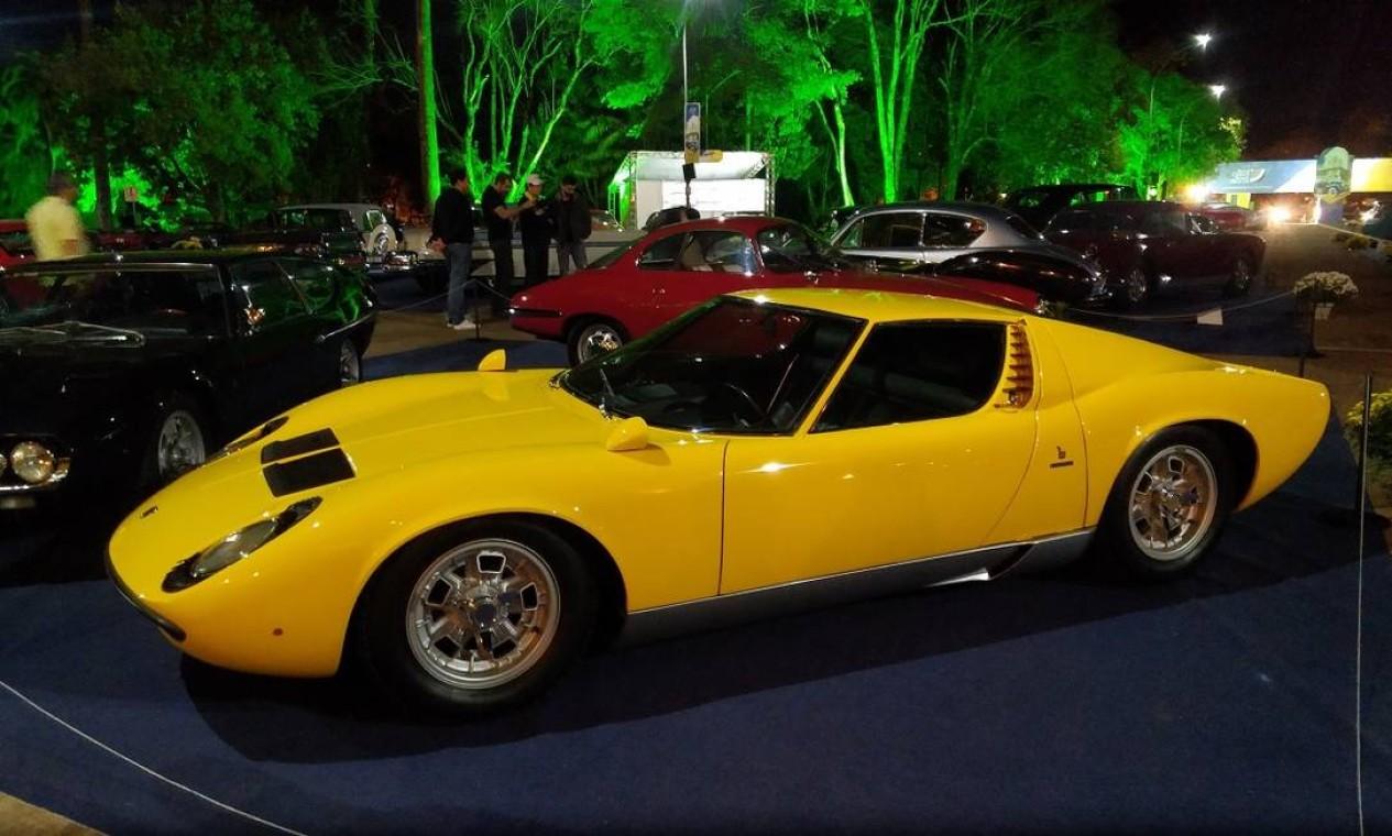 O belo Lamborghini Miura 1969 estava sendo vendido por US$ 1,5 milhão... Foto: Fabio Perrotta Jr. / Fabio Perrotta Jr.