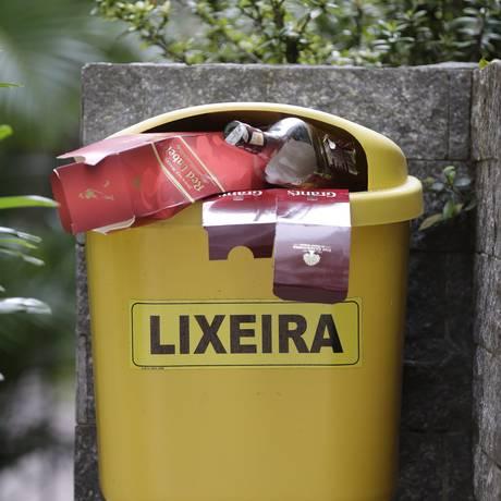 A Comlurb realiza análise gravimétrica do lixo há 23 anos Foto: Gustavo Miranda