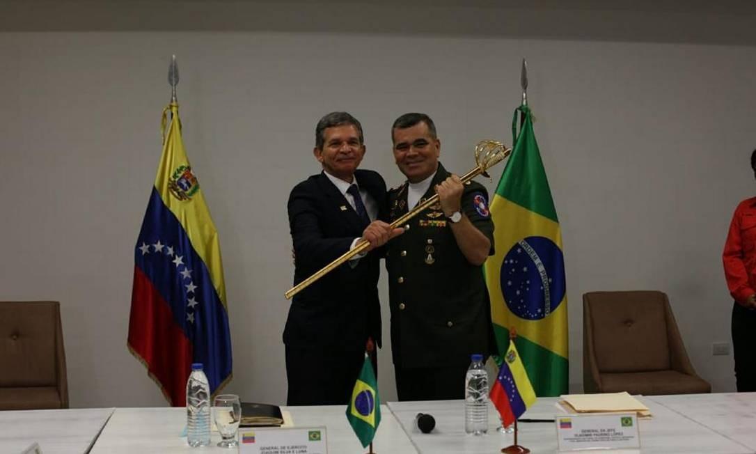 Joaquim Silva e Luna e Vladimir Padrino se reuniram na cidade de Puerto Ordaz Divulgação