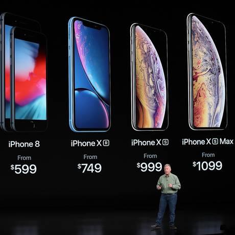 Phil Schiller, vice-presidente da Apple, apresenta novos iPhones, em evento na Califórnia Foto: JUSTIN SULLIVAN / AFP