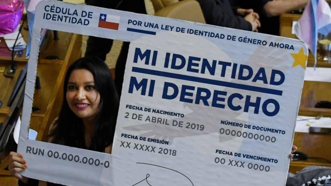 Deputada chilena Natalia Castillo da Frente Amplio declarou apoio ao projeto de lei Foto: FRANCESCO DEGASPERI / AFP
