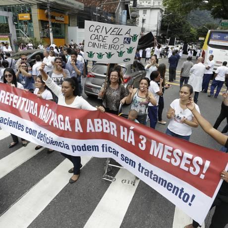 Após protestos de funcionários, prefeitura acerta repasse de mais de R$ 4 milhões à ABBR Foto: Antonio Scorza / Agência O GLOBO