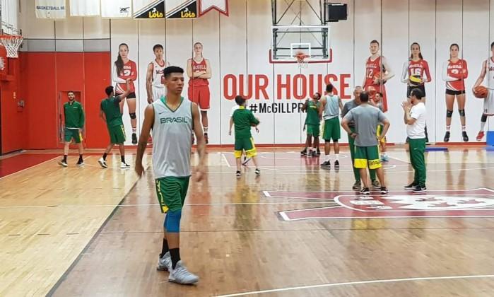 Didi treina com a seleção brasileira em Montreal - Divulgação/CBB