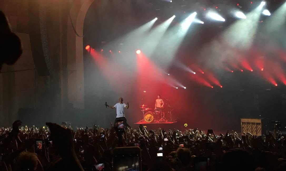 Show do Twenty One Pilots em Londres Foto: Luccas Oliveira / O Globo
